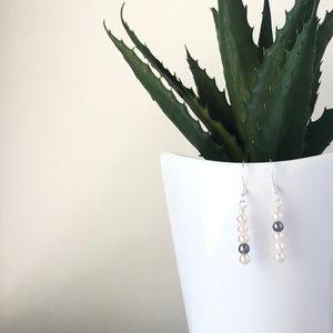 Blanc de Noir Champagne 5 • Pearl Bar Earrings